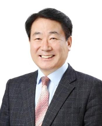 김덕수이사장 사진.jpg